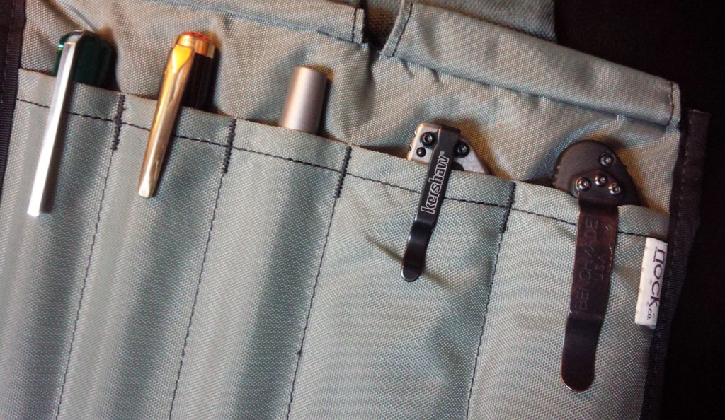 The Sassafras carrying three pens and two pocket knives.